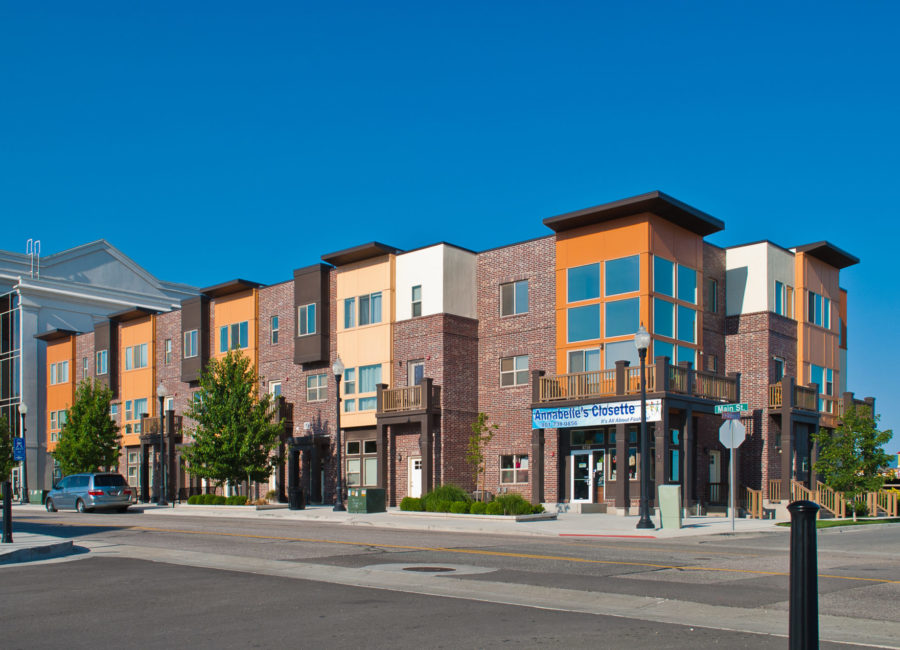 Commercial and residential mixed use townhomes