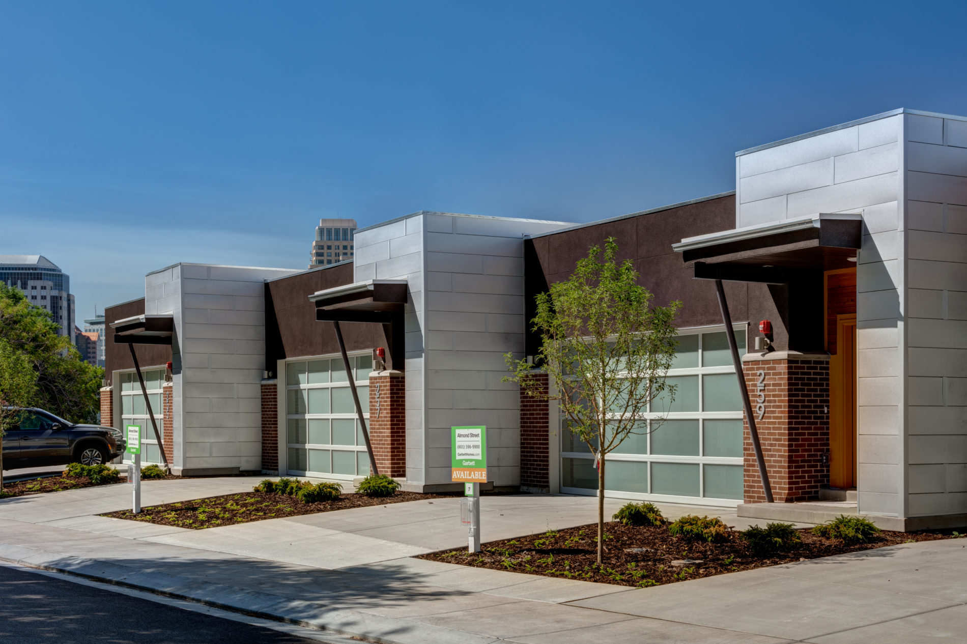 mixed materials used for modern townhome architecture design