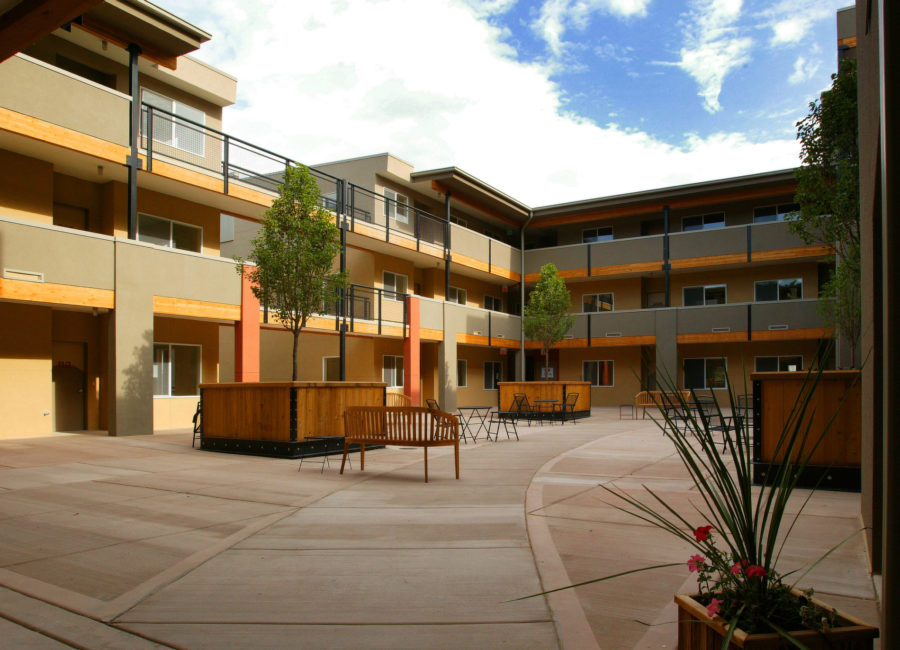 Highland Condos courtyard