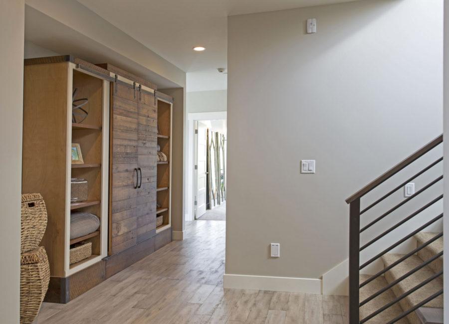 Nebo 2 Hallway Decor